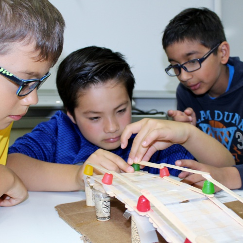 Fifth grade honors class tackle STEM challenges, 05.24.2017