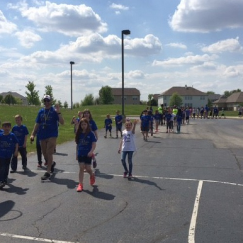 Lincoln ES raised $4,100 for the Cystic Fibrosis Foundation with its walk, 05.12.2017