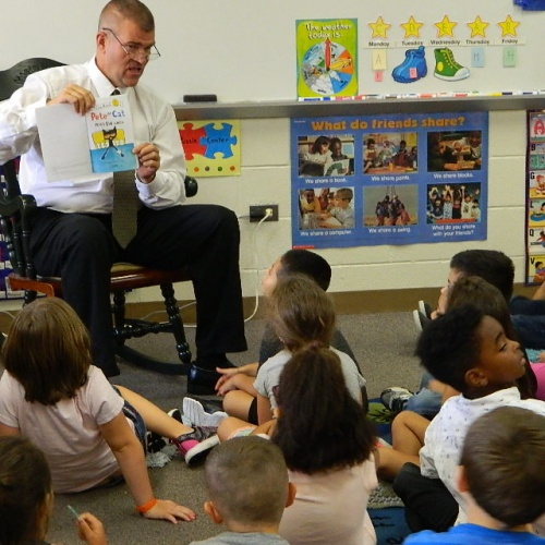 Dr. Abrell Reads to Kindergarteners