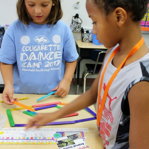 2nd graders create with STEM bins, 09.29.2017