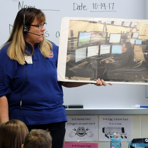 Wescom 911 dispatcher visit first graders, 10.19.2017