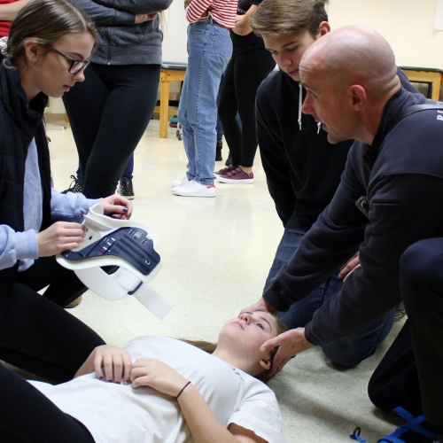 Plainfield firefighters, EMTs visit sports medicine class, 11.29.2017