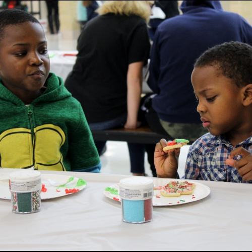 Student council hosts holiday party for kids, 12.11.2017
