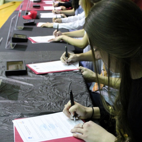 14 athletes sign letters to play their chosen sport in college, 02.07.2018