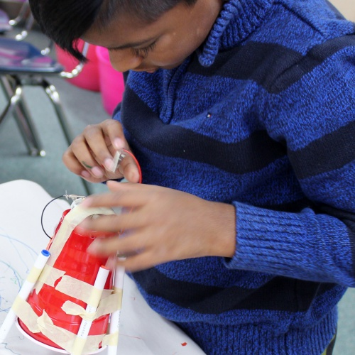 Fourth grade honors class makes scribble robots, 03.07.2018