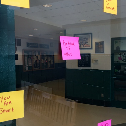 Post It Notes of kindness for students, 03.2018