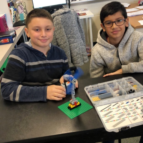 Fourth graders use Legos to learn about energy, 12.14.2018