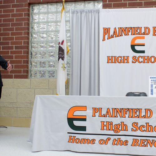 Student athletes sign letters of intent to play in college, 01.09.2019