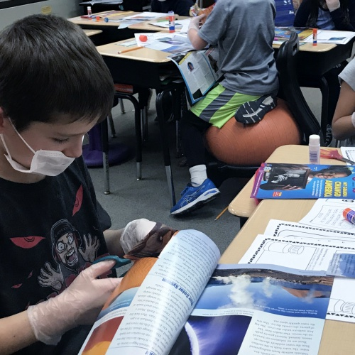 Third graders perform text surgery, 01.11.2019