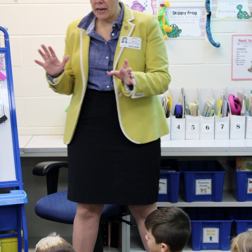 State Sen. Jennifer Bertino-Tarrant visits 2nd, 5th graders