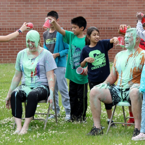 Students slime staff, superintendent for cancer fundraiser, 06.03.2019