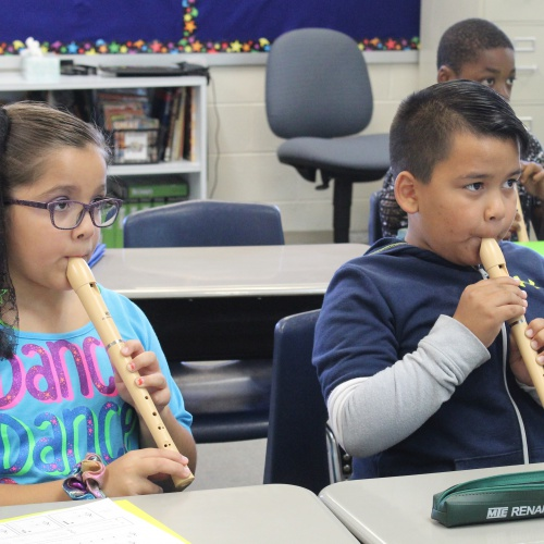 Fourth grade practices recorders, 09.26.2019