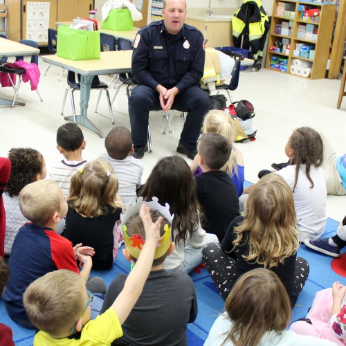 Plainfield firefighter talks safety with kindergartners, 10.11.2019