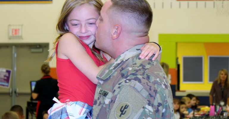 Soldier dad surprises daughter, Thomas Jefferson Elementary School