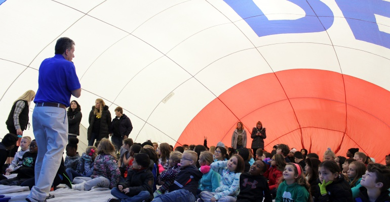 Meadow View Elementary School fourth graders learn the science of hot air ballooning